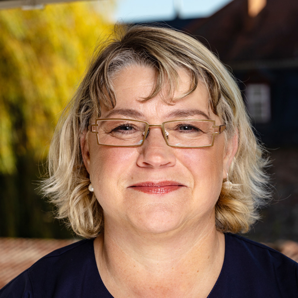 Stefanie Erk